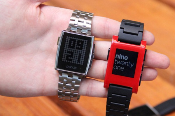 Pebble-Steel-confronto