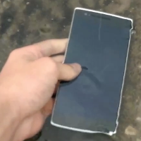 OnePlus-One-meets-H2O-in-waterproof-test