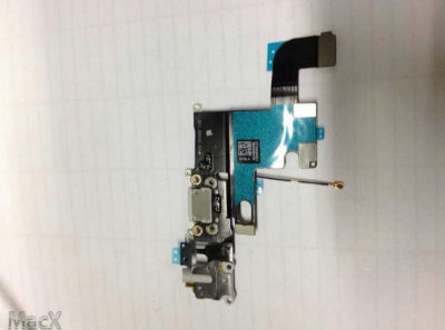 Leaked-photos-of-Apple-iPhone-6-flex-cable.jpg