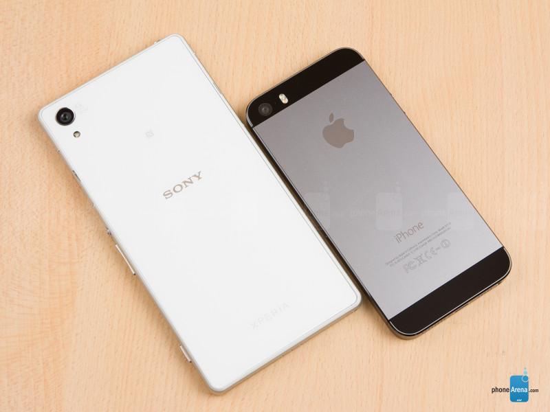 Sony-Xperia-Z2-vs-Apple-iPhone-5s-02