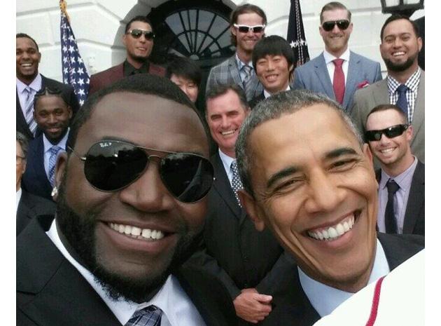 Obama Selfie, Twitter fonte