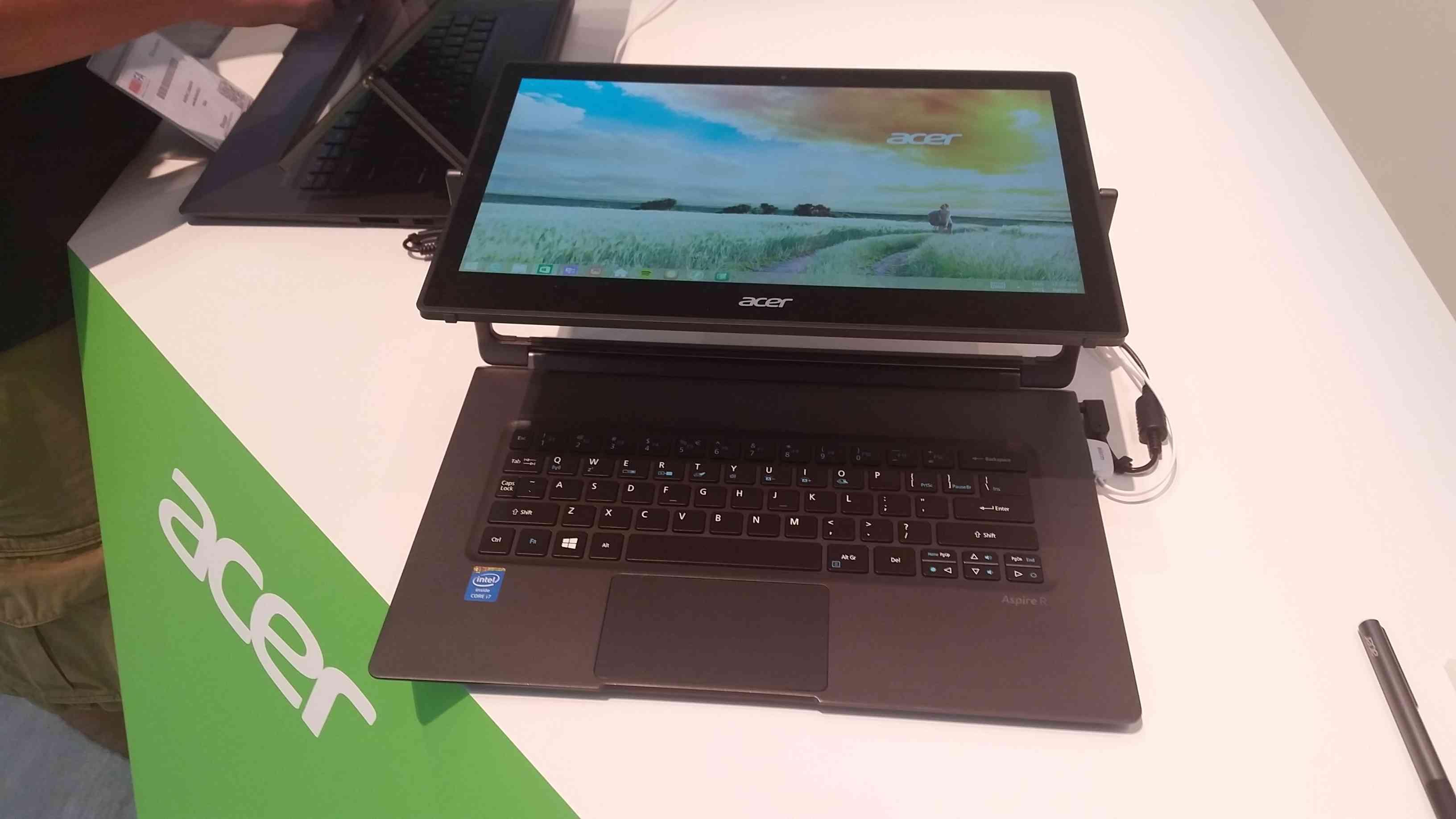 IFA 2014 Acer Aspire R13 Convert 027
