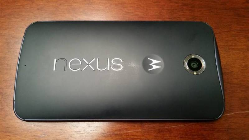 Nexus-6-logo-peeling-off definitivo