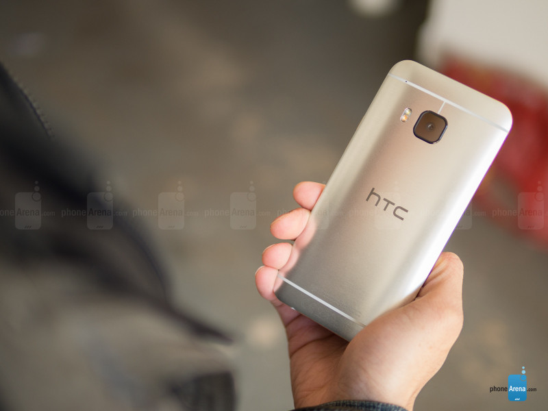 HTC One M9-3