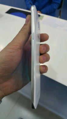 Samsung Galaxy A8 device