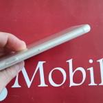 Video Prova Custodia FlexiShield per iPhone 6 - Bianco Trasparente 2015-08-11 14.08.38