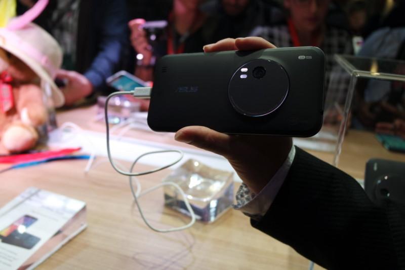 Asus ZenFone Zoom IFA 2015 SAM_0276