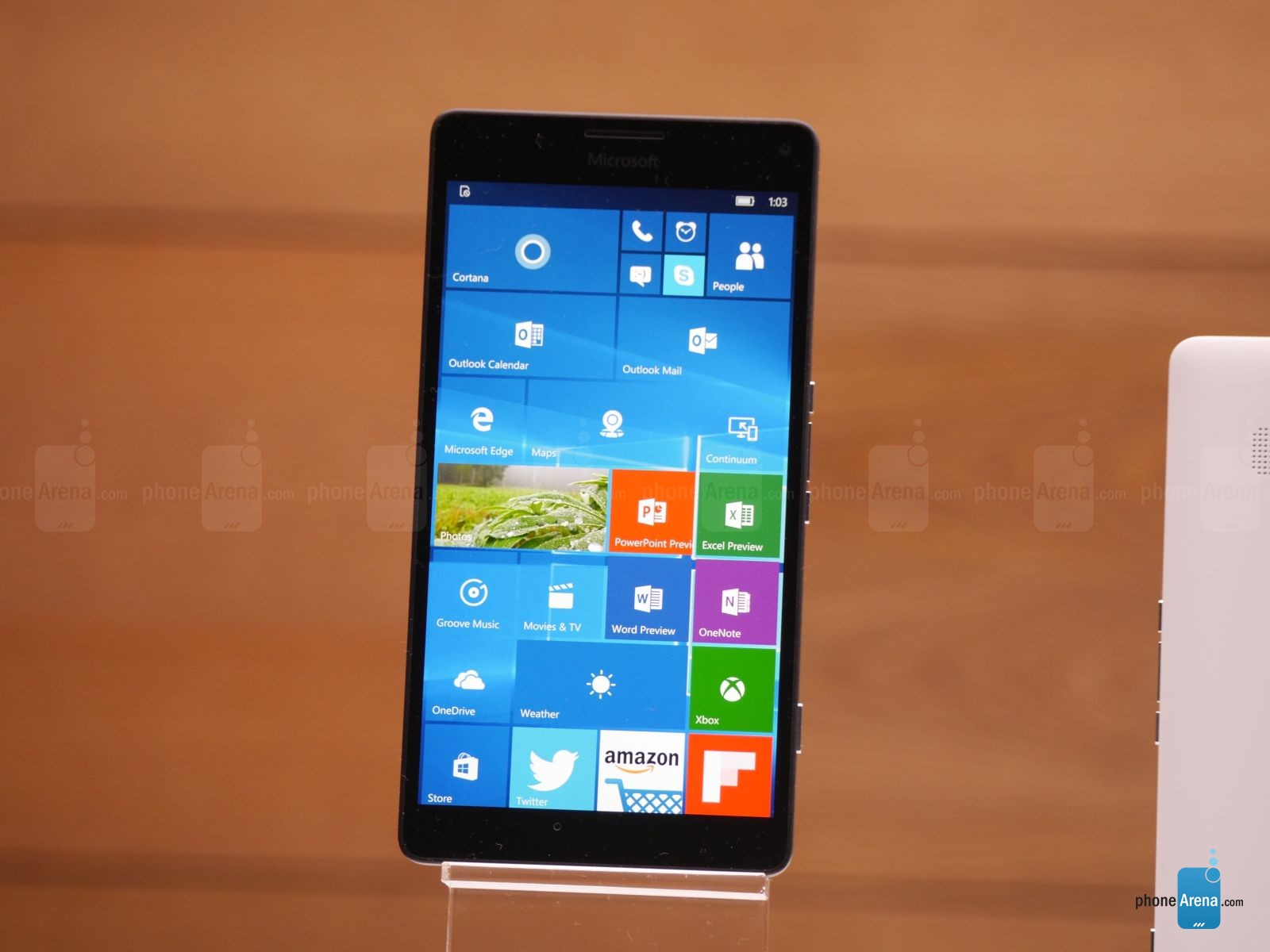 Microsoft-Lumia-950-XL-hands-on (1)