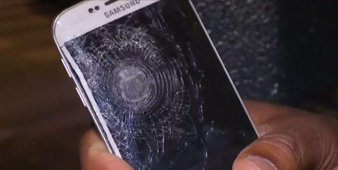 Attentati Parigi Un Samsung Galaxy S6 Edge Blocca una Pallottola!