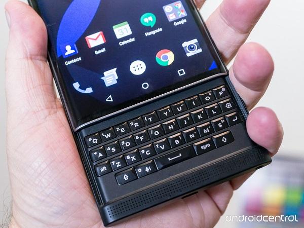 Nexus 6P vs BlackBerry Priv