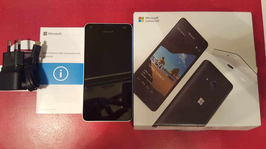 Video Unboxing Lumia 550 con Windows 10 Mobile 20151214_232650