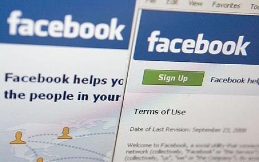Gestire due account Facebook contemporaneamente