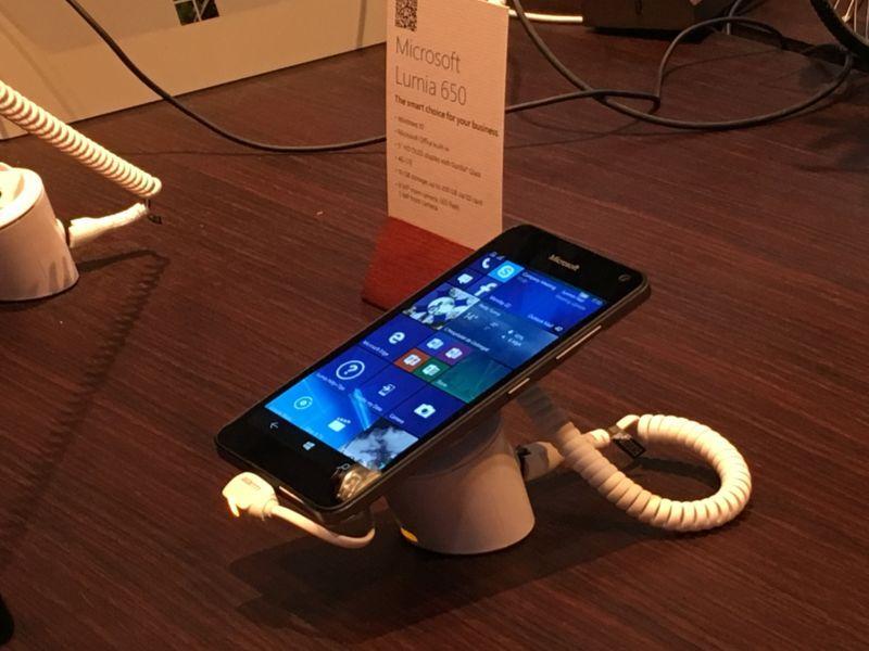 Microsoft Lumia 650 MWC 2016 IMG_2059