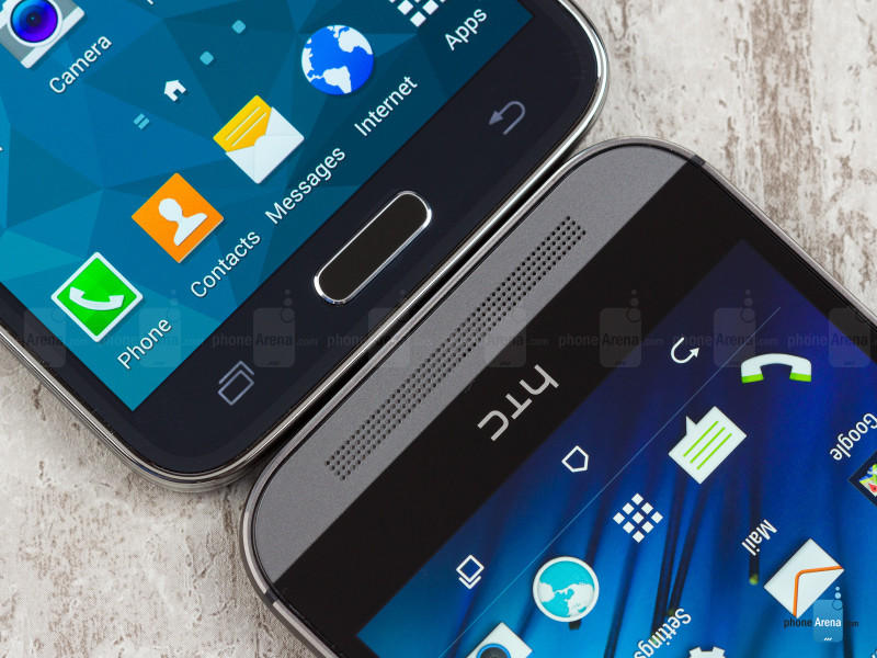 Samsung-Galaxy-S5-vs-HTC-One-M8-05