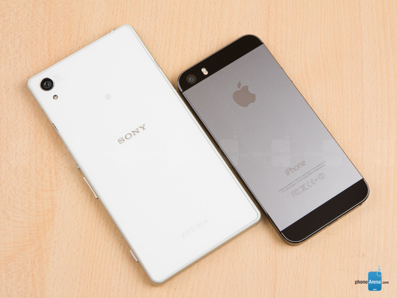 Sony-Xperia-Z2-vs-Apple-iPhone-5s-02