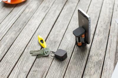 Ora è possibile ricaricare iPhone con batterie AA!