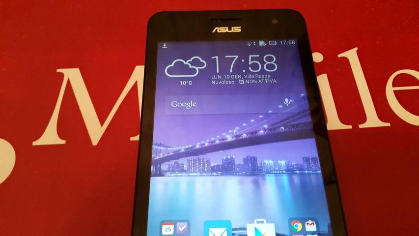 2015-01-19 17.58.27 Video Recensione Asus Zenfone 5