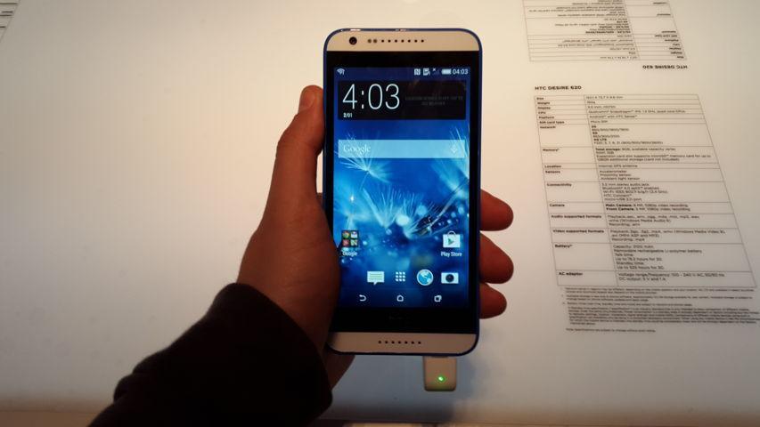 MWC 2015 HTC Desire 620 e 820 20150303_113710