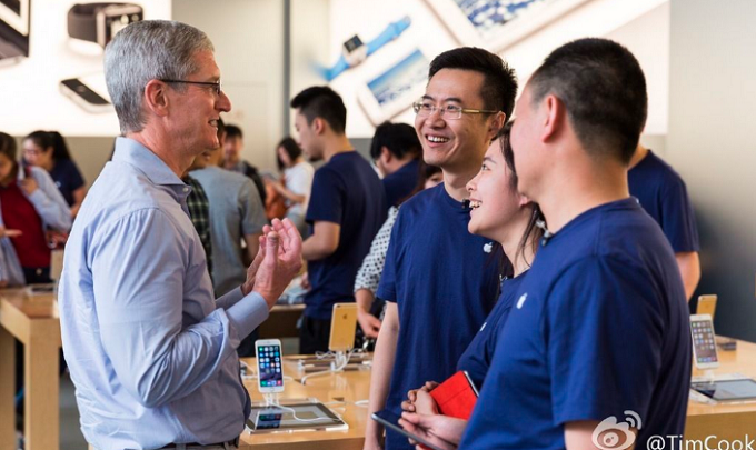 tim-cook-china-tour-051-704x420 (FILEminimizer)