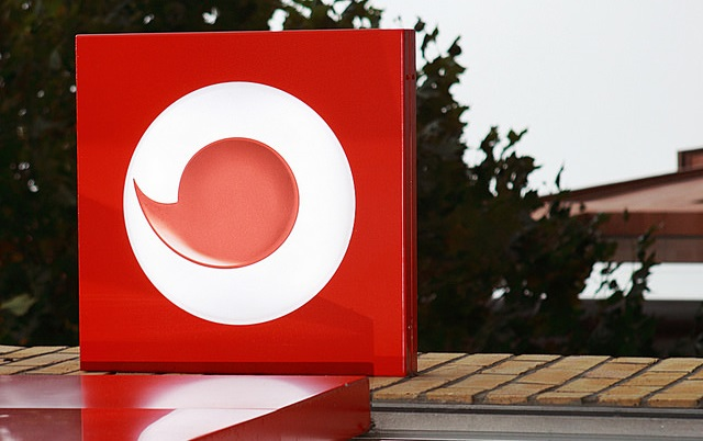 Promozione Vodafone: offerta shock a soli 4,99 euro al mese per clienti Fastweb e Iliad