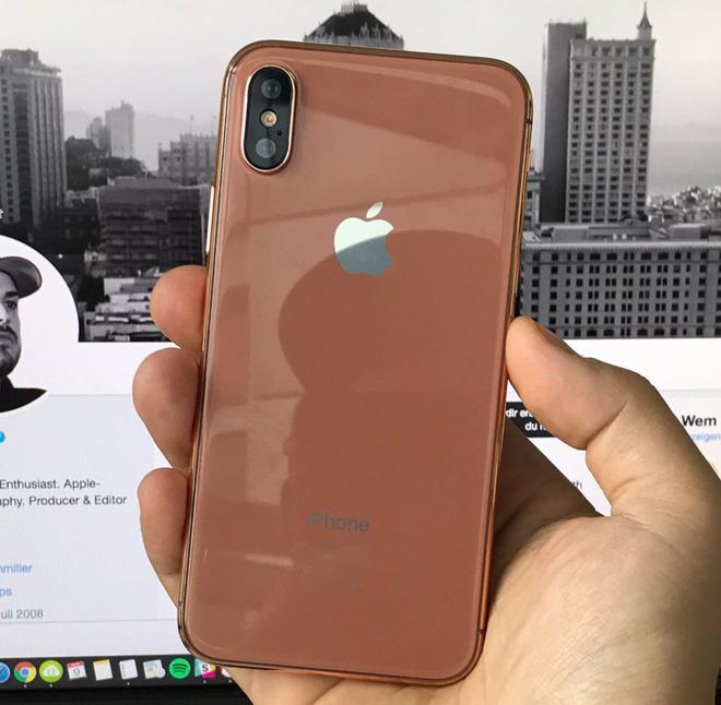 Esclusiva iPhone 8